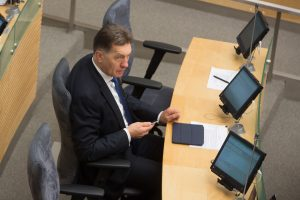 Ekonomikos komitetą svarstoma patikėti A. Butkevičiui