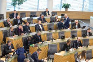 Vyriausybė – už mažesnį Seimo narių skaičių