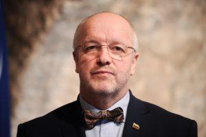 Konservatoriai surinko parašus po interpeliacija J. Olekui