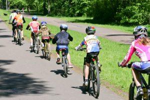 Nelaimė Vilniuje: dviračiu važiavęs vaikas papuolė po mašinos ratais