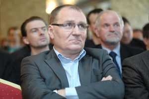 Seimo nario mandato siekę politikai liko skolingi 12 tūkst. eurų