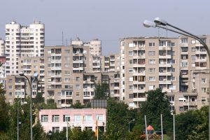 Kodėl Lietuvoje algos mažos, o būstas toks brangus?
