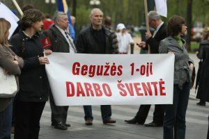 Darbdaviai norėtų panaikinti laisvas gegužės 1-ąją, Jonines ir Žolinę