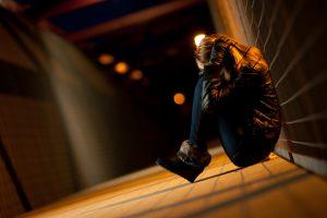 Tyrimas: savižudybių romantizavimo žiniasklaidoje pasekmės – rimtos