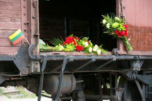 Lietuvoje minimos 75-osios masinių trėmimų pradžios metinės
