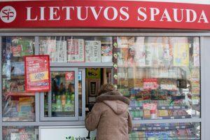 Vilniuje peiliu ginkluotas vyras apiplėšė spaudos kioską