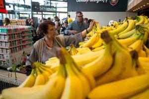 Prekybos centrai paskelbė bananų karą