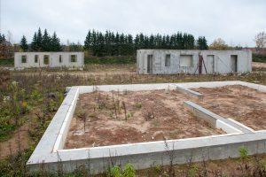 Patikėjo NT vystytojų pažadais: liko be pinigų ir be namo