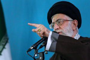 Irano lyderis: derybos su JAV galimos tik branduoliniu klausimu