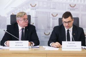 Kilo įtarimų dėl plano sujungti mokslo institutus