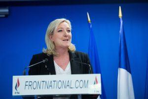 """Prancūzijos """"Nacionalinis Frontas"""" apkaltintas """"netikrų darbo vietų kūrimu"""""""