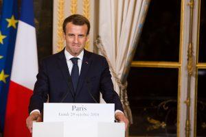 E. Macronas įspėja Europą dėl grįžimo į 1930-uosius