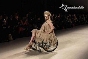 Milane madas demontruoja ir neįgalieji