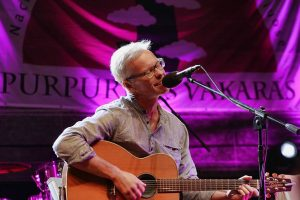 """9-ame bardų festivalyje """"Purpurinis vakaras"""" – įvairių meno formų spektras"""