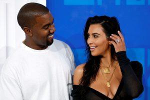 """Ekspertai: plėšikams bus sunku """"iškišti"""" K. Kardashian brangenybes"""