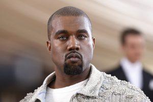 Išliaupsinęs D. Trumpą ir išplūdęs atlikėjus K. Westas atšaukė koncertą