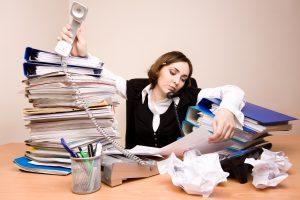 Kaip kovoti su darboholizmu ir neužsisėdėti darbe?