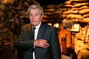 Aktorius A. Delonas parduoda vertingas R. Bugatti skulptūras