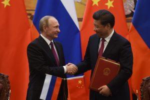 V. Putinas džiaugiasi ir giria partnerystę su Kinija