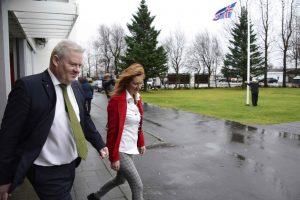 Islandijos premjeras po skaudaus smūgio rinkimuose atsistatydina