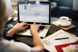 5 būdai apsisaugoti nuo sukčių socialiniuose tinkluose