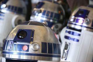 """""""Žvaigždžių karų"""" filmuose naudotas droidas parduotas už 2,76 mln. dolerių"""