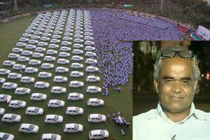 Indijos deimantų magnatas darbuotojams dovanoja automobilius ir butus