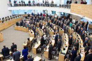 Kandidatai į Seimą turtingesni, bet mažiau išsilavinę