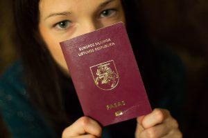 Lietuva raginama lengvinti sąlygas gauti pilietybę