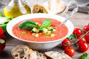 Atvėsusiems rudens vakarams – šiltos sriubos dubuo (receptai)