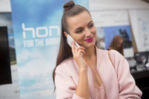 """Lietuvoje pirmąkart pristatyti """"Honor"""" išmanieji telefonai"""
