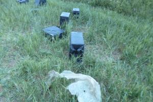 Sprukdami kontrabandininkai pametė 6 tūkst. pakelių rūkalų