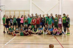 Europos čempionės patarimus dalijo beveik 40 jaunųjų krepšininkių