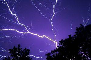Žaibas išgydė moters gebėjimą jausti žodžių skonį ir užuosti garsus