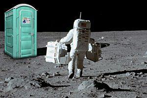 NASA prašo pagalbos: kaip išspręsti tualeto kosmose problemą?