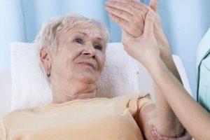 Verta susirūpinti: kai kaulų lūžis – ne nesėkmė, o osteoporozės pasekmė