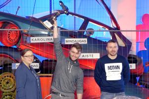 Blogiausiu Lietuvos vairuotoju tapo profesionalaus vairuotojo sūnus