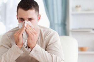 Išaugo sergamumas peršalimo ligomis, pasirodė ir gripas