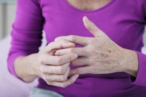 Minima Pasaulinė artrito diena: kaip išvengti pažinties su šia liga?
