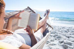 Skaitinių gairės: 7 karščiausios knygų naujienos jūsų vasarai