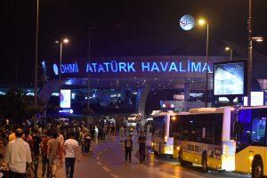 Išpuolio metu Stambulo oro uoste buvę lietuviai sprogimo išvengė
