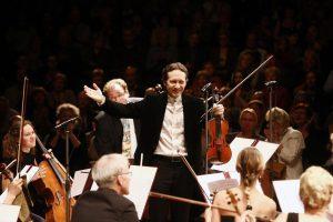 Lingvistai į Salų miestelį pirmą kartą priviliojo V. Čepinskio orkestrą
