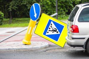 Klaipėdoje išardyti kelio ženklai