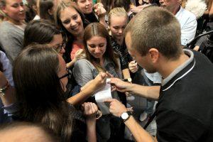 Prieš naują sezoną žalgiriečiai rinko sirgalių autografus