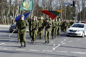 Sukaktį kariai paminėjo bėgimu
