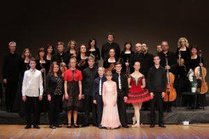 XX-oji žaisminga programa – gabiausi vaikai ir orkestras