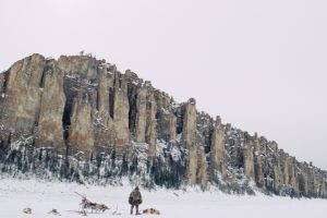 """Kvapą gniaužianti Šiaurės gamta ir legendos atgyja filme """"Moteris, vyras ir šuo"""""""