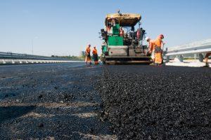 Lietuvoje siekiama sukurti automobilių slydimą mažinantį asfaltą