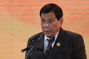 Filipinų prezidentas teigia paauglystėje mirtinai subadęs žmogų