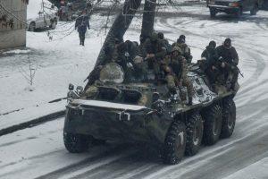 Rusijos kariškiai naudojasi situacija Luhanske?